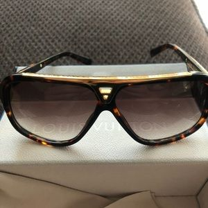 Louis Vuitton evidence tortoise shell sunglasses